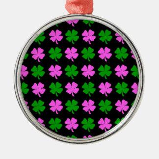 Diseño del trébol de la hoja del rosa y del verde adorno navideño redondo de metal