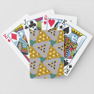 Diseño del triángulo cartas de juego