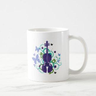 Diseño del violín del cielo taza