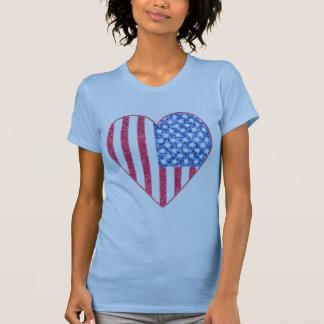 Diseño descolorado de la camiseta del corazón de