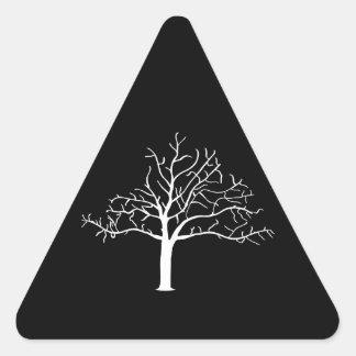 Diseño desnudo del árbol pegatina triangular