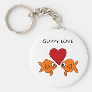 Diseño divertido del amor del Guppy Llavero Redondo Tipo Pin