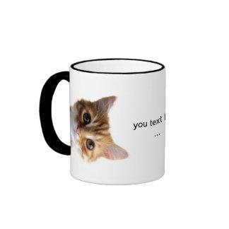 diseño divertido del gatito taza a dos colores