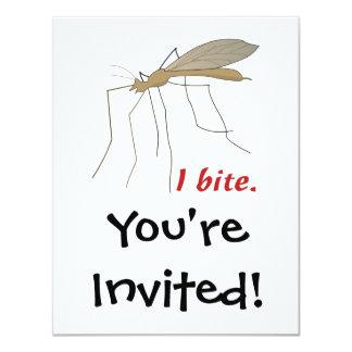 """diseño divertido del mosquito de la mordedura de i invitación 4.25"""" x 5.5"""""""