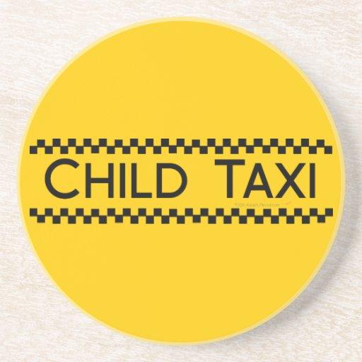 Diseño divertido del taxi del niño para conducir p posavaso para bebida