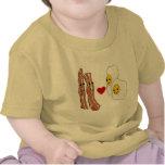 Diseño divertido del tocino de los huevos de los camisetas