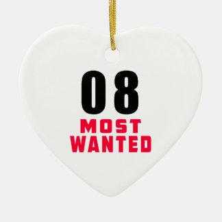 Diseño divertido más deseado del cumpleaños 08 adorno de cerámica en forma de corazón