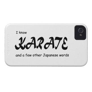 Diseño divertido. Sé karate + otras palabras del iPhone 4 Coberturas