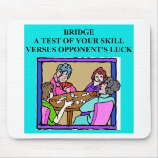 diseño duplicado del jugador de puente alfombrillas de raton