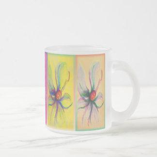 Diseño en colores pastel de la taza del panel de l