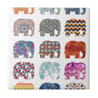 diseño enrrollado colorido del elefante de la azulejo cuadrado pequeño