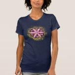 Diseño enrrollado de la yoga camiseta