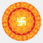 Diseño espiritual de la cruz gamada de Lotus Etiqueta Redonda