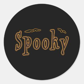 Diseño fantasmagórico de Halloween de los palos Pegatina Redonda