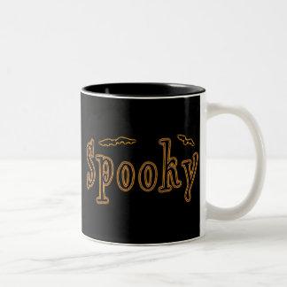 Diseño fantasmagórico de Halloween de los palos Tazas De Café