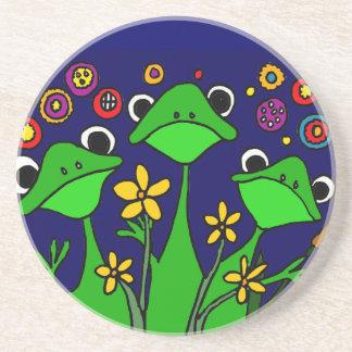 Diseño feliz del arte popular de las ranas XX Posavaso Para Bebida