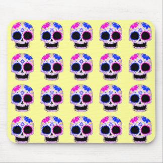 Diseño feliz del cráneo del azúcar alfombrilla de ratón