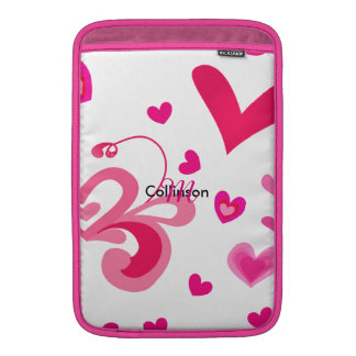 Diseño femenino bonito de los corazones rosados funda macbook air