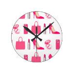 Diseño femenino de las cosas reloj redondo mediano