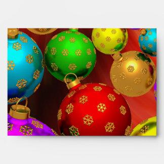 Diseño festivo de los ornamentos del árbol de sobres