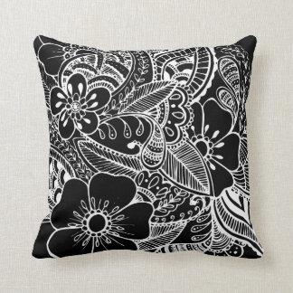 Diseño floral 2 - negro almohada