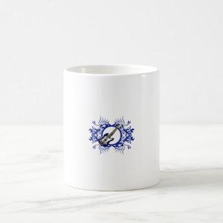 Diseño floral azul bajo azul del círculo taza