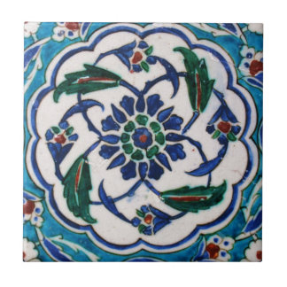 Diseño floral azul y blanco de la teja de la era