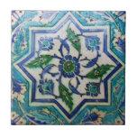 Diseño floral azul y blanco de la teja de la era d
