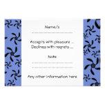 Diseño floral azul y negro invitacion personalizada
