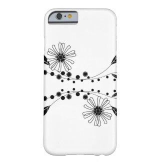 Diseño floral blanco y negro que fluye funda para iPhone 6 barely there