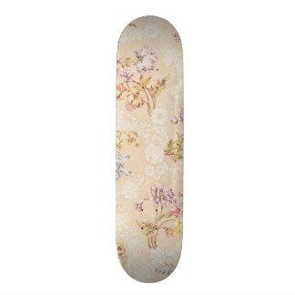 Diseño floral con los peonies, los lirios y los ro tabla de patinar