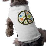 Diseño floral de la paz playera sin mangas para perro