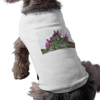 diseño floral del bosquejo del arbusto verde de camiseta de perrito
