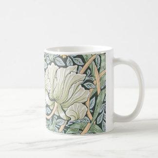 Diseño floral del Pimpernel de William Morris Taza Básica Blanca