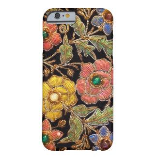 Diseño floral del vintage colorido de las cuentas funda de iPhone 6 barely there