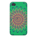 Diseño floral espiral del arco iris - fondo verde iPhone 4 protector