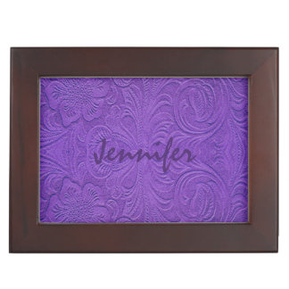 Diseño floral grabado en relieve ante púrpura caja de recuerdos