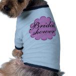 ¡Diseño floral nupcial de la ducha! Camisas De Perritos