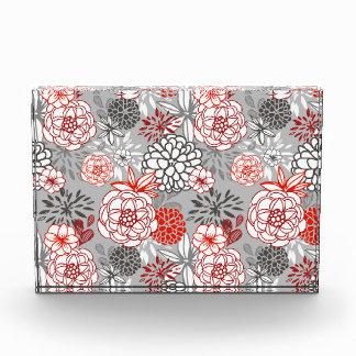 Diseño floral retro en rojo y negro