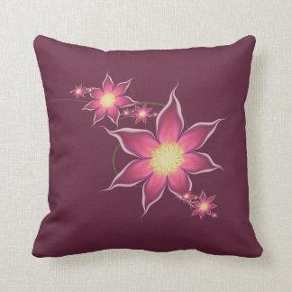 Diseño floral rojo oscuro del fractal almohada