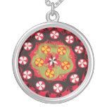 Diseño floral turco del bordado antiguo del otoman collares