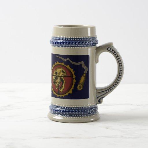 Diseño fresco de la taza de cerveza del francotira
