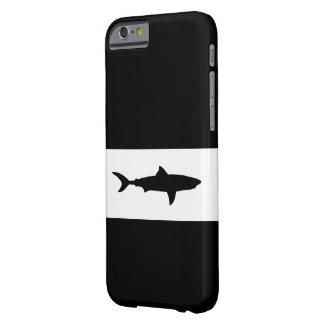 Diseño fresco del tiburón funda para iPhone 6 barely there