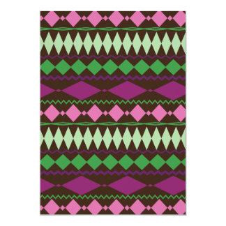 """Diseño geométrico tribal colorido del modelo invitación 5"""" x 7"""""""
