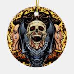 Diseño gótico de los cráneos, de los vampiros y de ornamentos de reyes