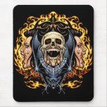 Diseño gótico de los cráneos, de los vampiros y de alfombrilla de raton