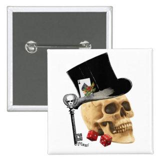 Diseño gótico del tatuaje del cráneo del jugador pin cuadrado