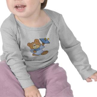 diseño graduado feliz del oso de peluche camiseta