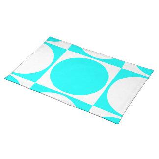 Diseño gráfico blanco y azul de Lotus Manteles