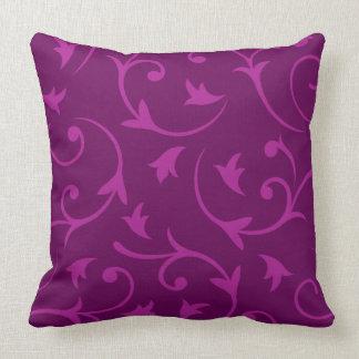 Diseño grande barroco en ciruelos almohadas